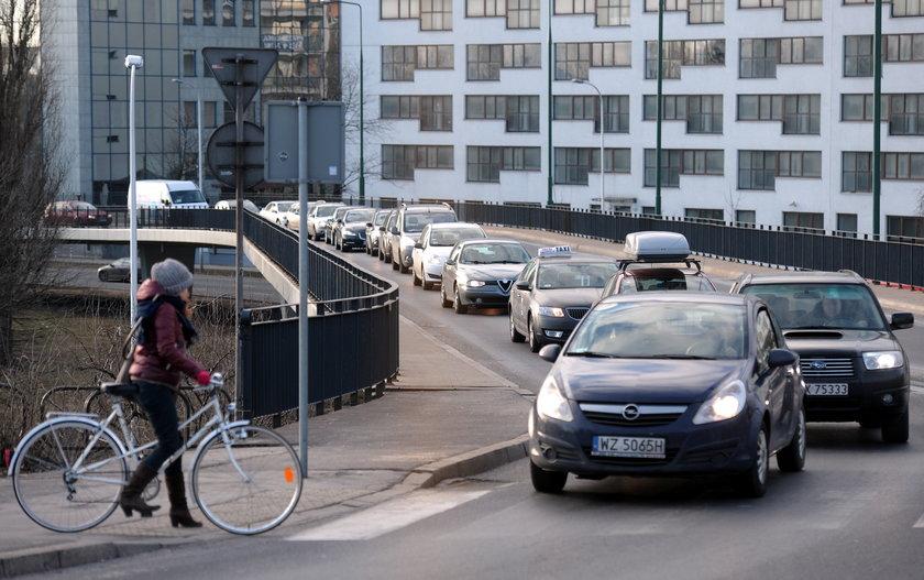 Warszawa stanęła po zamknięciu mostu Łazienkowskiego