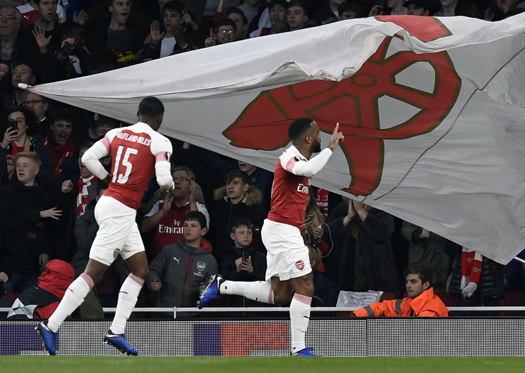 FK Arsenal, FK Valensija