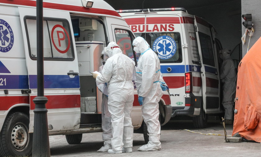 Szczepienia powinny uchronić nas przed mocnym uderzeniem czwartej fali pandemii