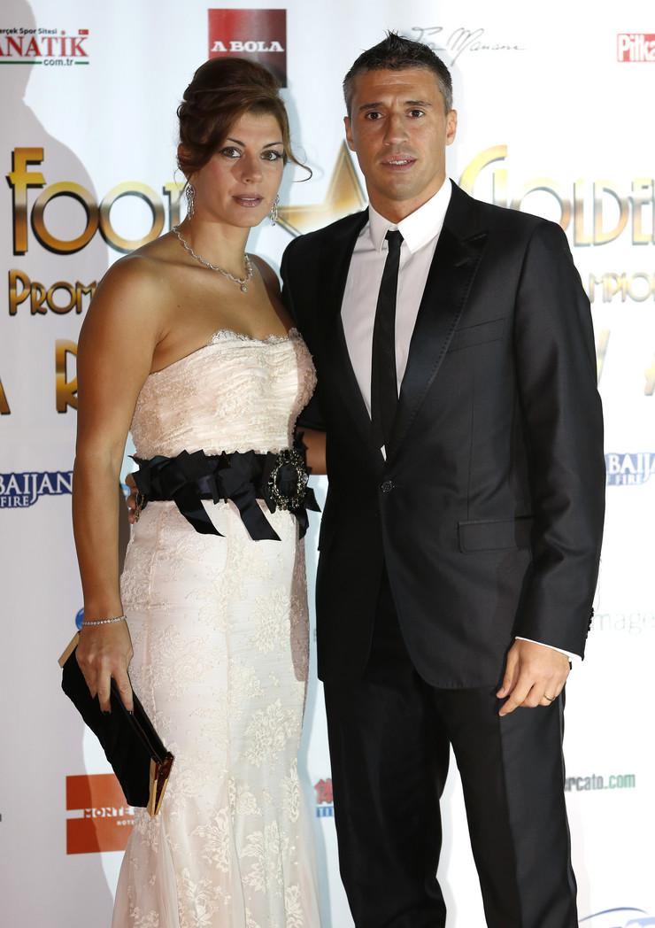 Ernan Krespo sa suprugom