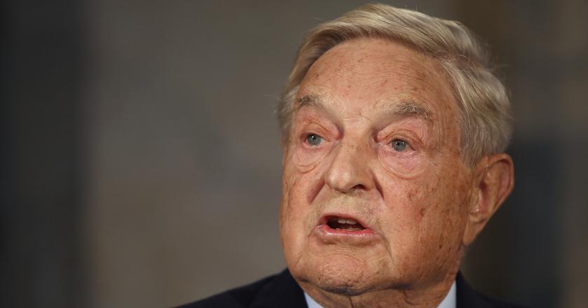 """George Soros twierdzi, że Facebook i Google """"celowo projektują uzależnienie od usług, które świadczą"""""""