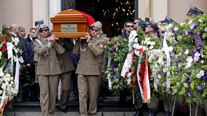 Wątpliwości wokół śmierci generała Petelickiego