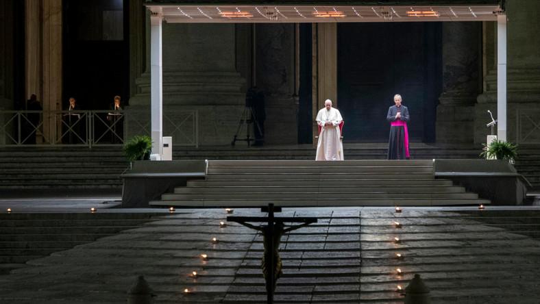 Papież podczas Drogi Krzyżowej
