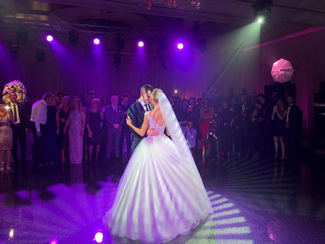 Dragana Džajić i Miloš Ivanović na venčanju i njihov prvi ples