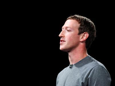 Mark Zuckerberg został oficjalnie i imiennie wezwany do zeznawania przed dwoma komisjami Kongresu USA