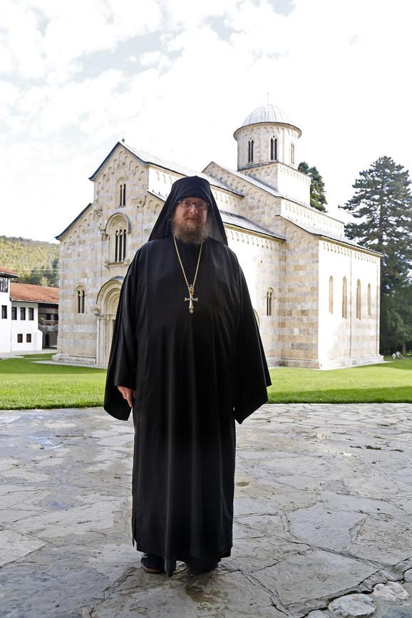 Iguman Sava Janjić ističe da se godinama vrše pritisci kako bi se monaštvo proteralo