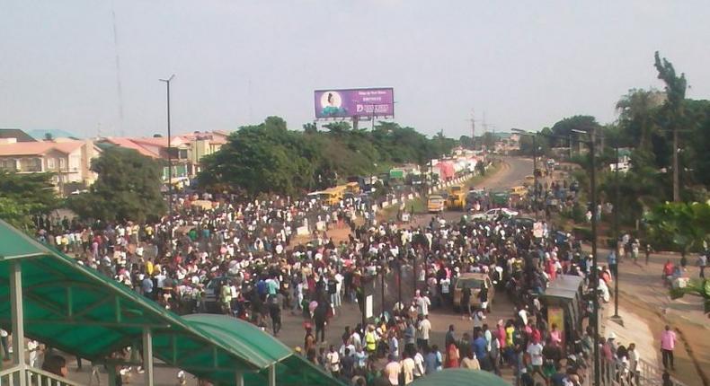 #ENDSARS protesters at Secretariat Area on Lagos-Ibadan Expressway, Lagos on Thursday. [NAN]