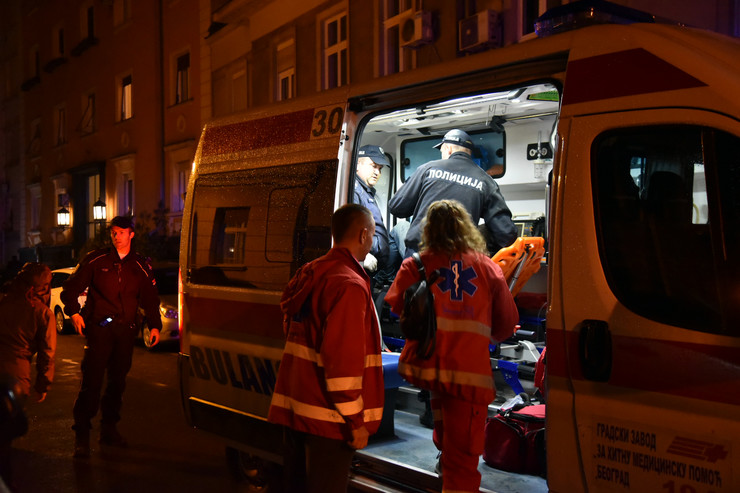 Samoubistvo pokušaj Palmotićeva Hitna pomoć policija vatrogasci noćna