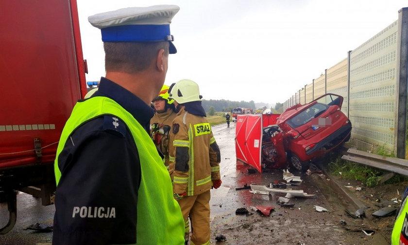 Śmiertelny wypadek na obwodnicy Opola. Kierująca sięgała po telefon