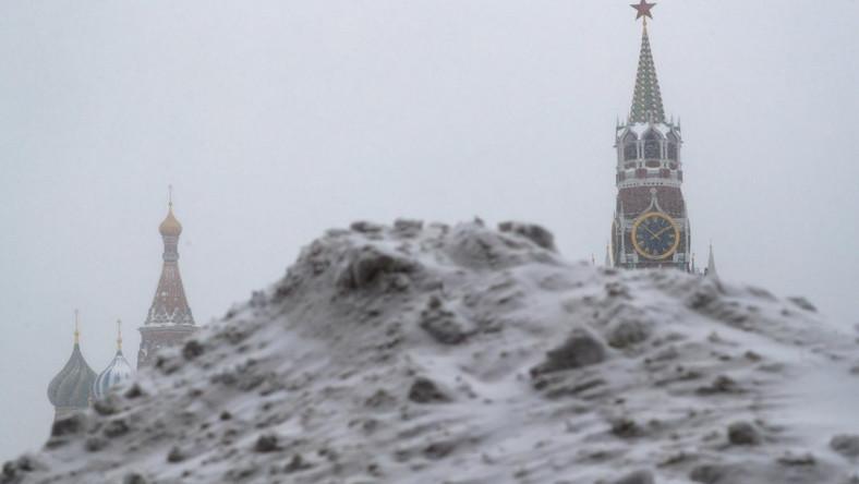 Śnieżne zaspy w Moskwie