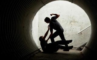 Obrażenia w bójce mogą być wypadkiem przy pracy