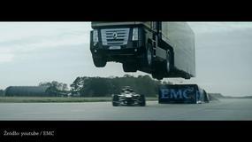 Zobacz skaczące ciężarówki! Groza!