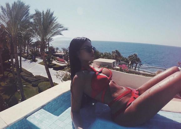 Misica inače vodi luksuzan život: ova slika je iz luksuznog odmarališta Šarm el Šeik