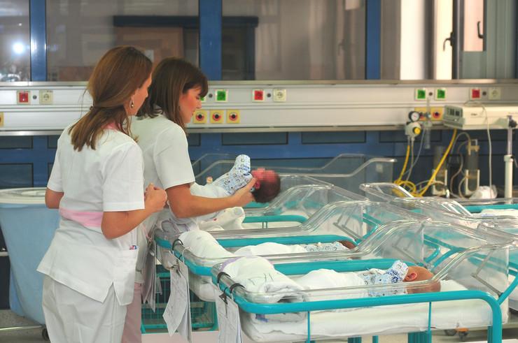 Novi Sad 1478 soba sa bebama medicinska setra betanija porodiliste foto Robert Getel