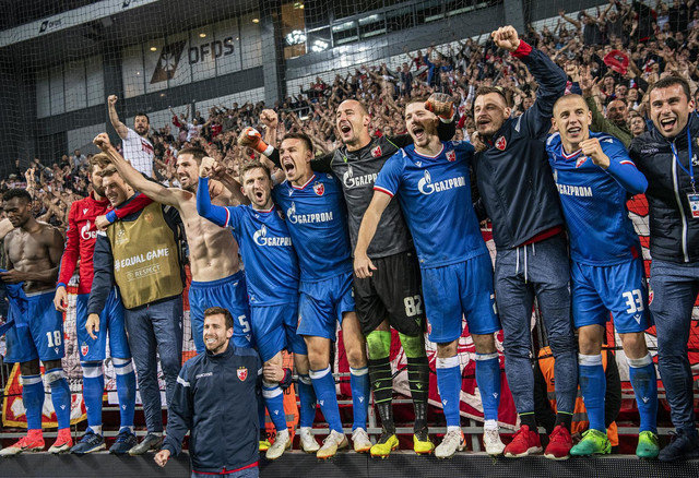 Fudbaleri Cevene zvezde slave prolazak u plej-of Lige šampiona