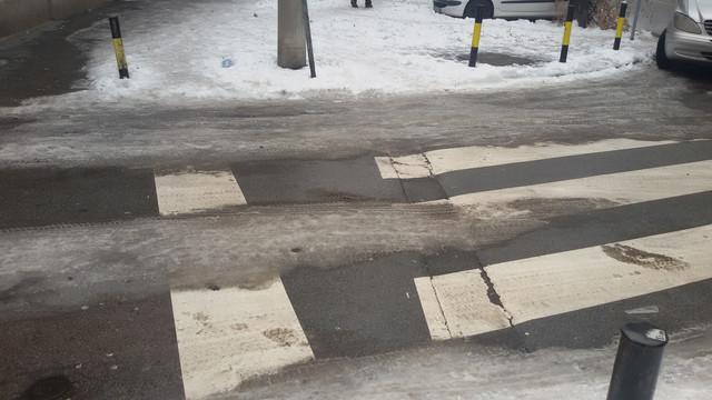 Izbegavajte bele delove pešačkog prelaza