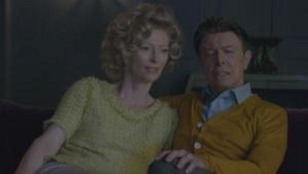 """Tilda Swinton i David Bowie w teledysku do utworu """"The Stars (Are Out Tonight)"""""""