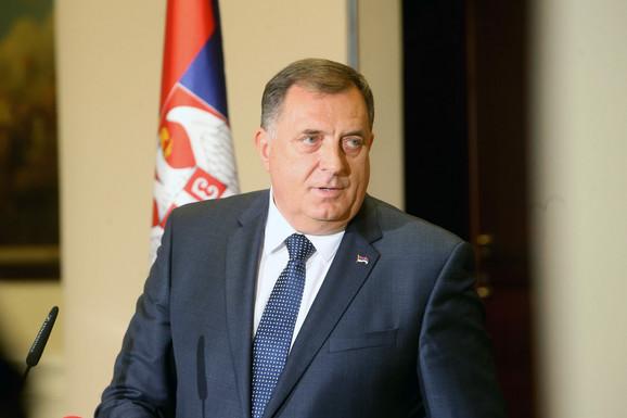 """""""ZA MENE JE BIO INSPIRACIJA I STABILNOST"""" Dodik: Patrijarh Irinej uspeo da okupi sve Srbe smirenošću i jednostavnošću"""