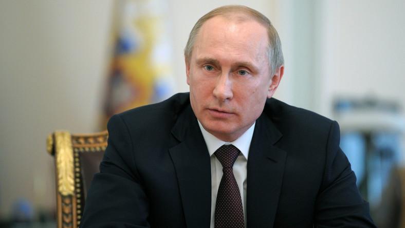 Putin do Merkel: Ukraina na krawędzi wojny domowej