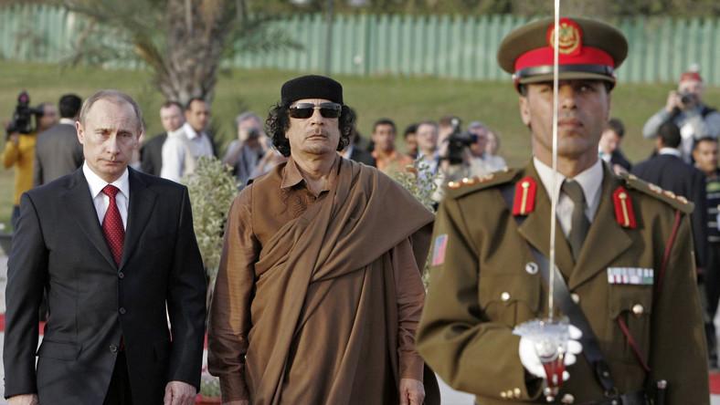 Władymir Putin i Muammar Kadafi