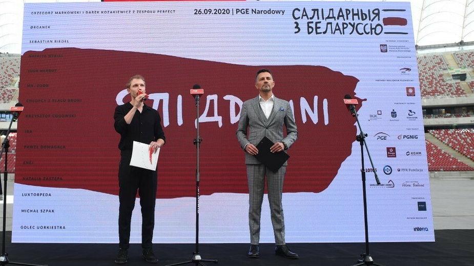 """""""Solidarni z Białorusią"""". Na zdjęciu: Igor Herbut i Krzysztof Ibisz"""