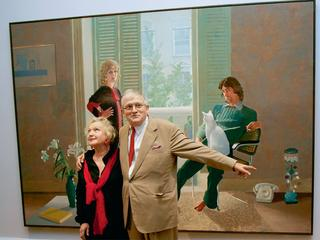 David Hockney pozuje do zdjęcia  z Celią Birtwell.