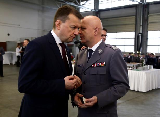 Minister spraw wewnętrznych i administracji Mariusz Błaszczak oraz komendant główny policji Jarosław Szymczyk, PAP/Tomasz Gzell