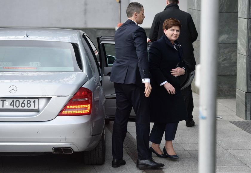 Zbierali na nową limuzynę dla premier Beaty Szydło. Co się stało z pieniędzmi?