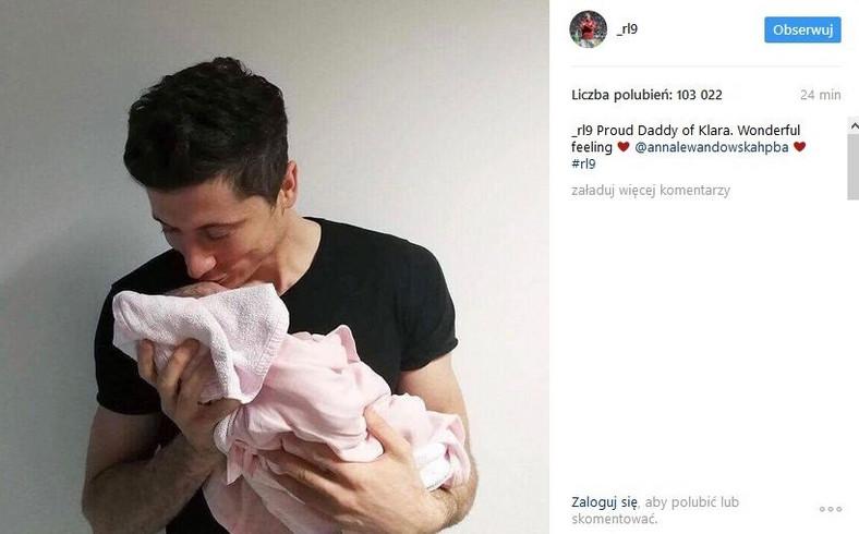 Robet Lewandowski z córką Klarą
