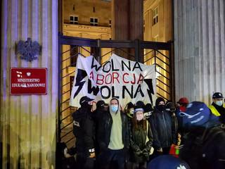 Czarnek o protestujących pod MEN: Biedni ludzie