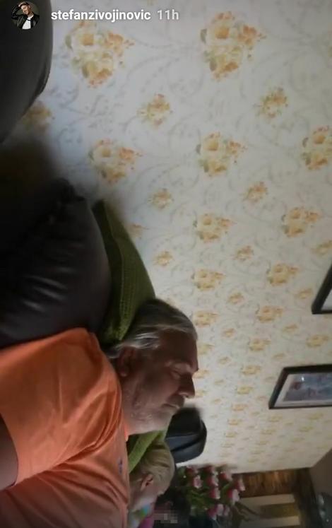 Brena i Boba spavaju