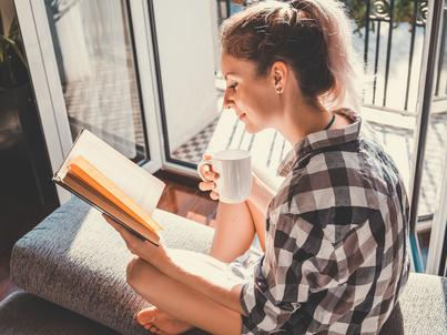 Zaletą grubych książek jest to, że kiedy już cię pochłoną, nie musisz się martwić, ze szybko się skończą