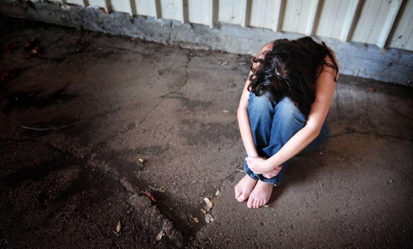 15-latka zgwałcona grupowo na własnych urodzinach