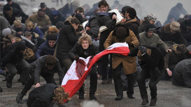 """Kadr z filmu """"Czarny czwartek. Janek Wiśniewski padł"""""""