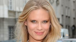 "Julia Pietrucha prezentuje teledysk do piosenki ""On My Own"""