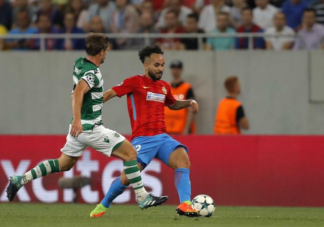 Edrijen Silva u prodoru na Sportingovom meču sa Steauom