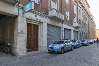 Włochy: Ordery dla policjantek, które schwytały sprawców z Rimini