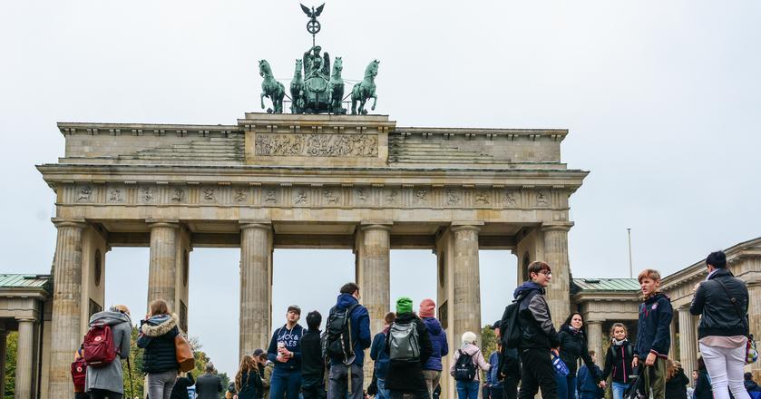 Najpopularniejszym kierunkiem emigracji, który wskazują Polacy są Niemcy - 32 proc. wskazań
