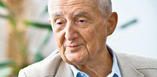 Czesław Jaworski były prezes Naczelnej Rady Adwokackiej. W PRL reprezentował działaczy opozycji oskarżanych w procesach politycznych