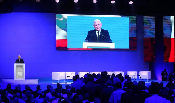 W czasie konwencji zaplanowano 13 głównych paneli dyskusyjnych, podczas których omawiane będą jeszcze między innymi prawo podatkowe, polityka zagraniczna, obrona narodowa czy system zdrowia
