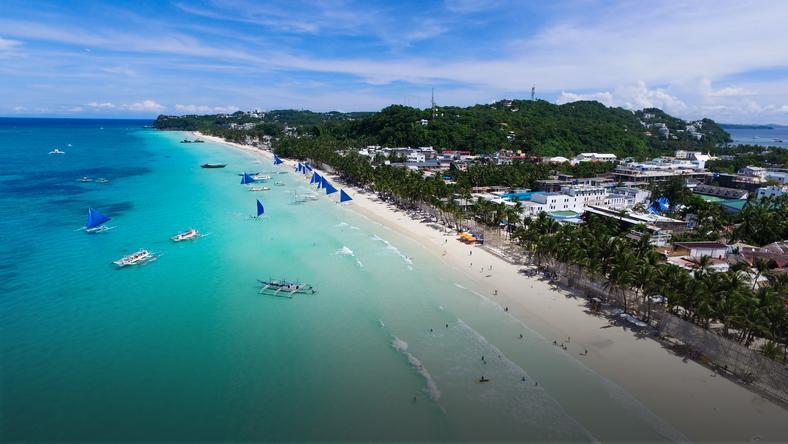 Plaża White Beach na Filipinach