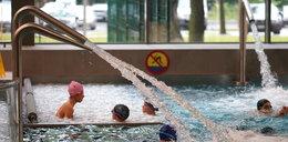 Pomimo zakazów wprowadzonych przez rząd, Polacy korzystają z basenów i siłowni