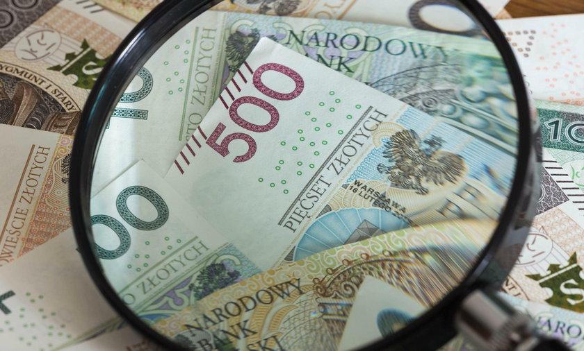 Banknoty pod lupą
