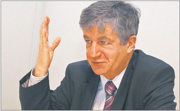 prof. Andrzej Wróbel, sędzia Sądu Najwyższego, kandydat na sędziego Trybunału Konstytucyjnego popierany przez SLD Fot. Marek Matusiak