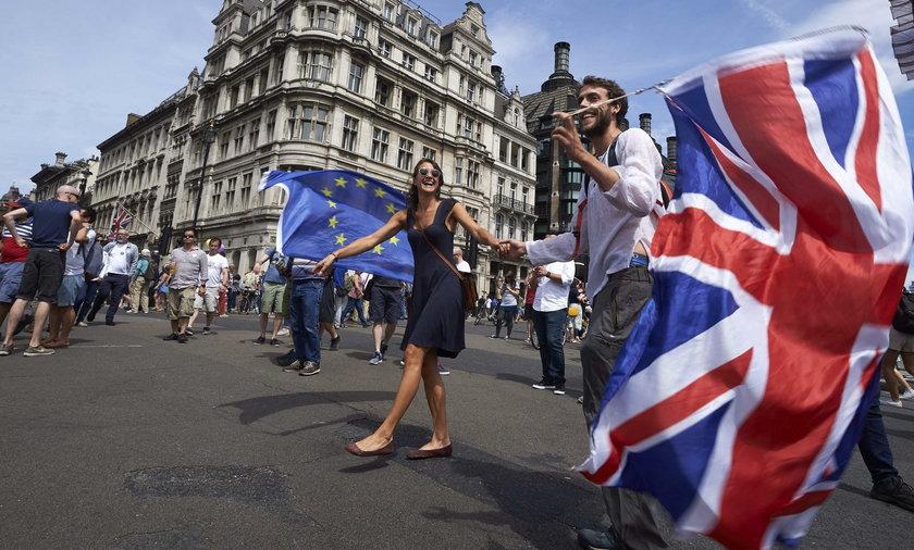 Zaskakujące skutki Brexitu. Coraz więcej Brytyjczyków stara się o polskie obywatelstwo