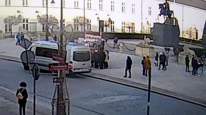 Nawet kierowca busa zlekceważył sobie oficera SOP