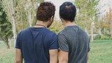 Młodzi chłopcy sprzedani do niemieckiej agencji dla gejów