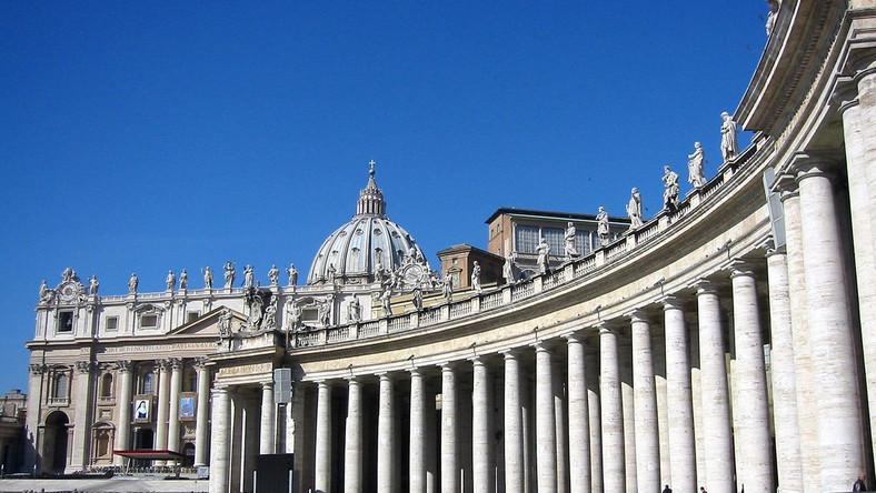 Watykan krytykuje media