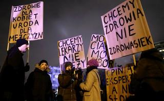 N. i PO zapowiadają nowe projekty ws. aborcji. 'Opozycja ma problem z wiarygodnością'