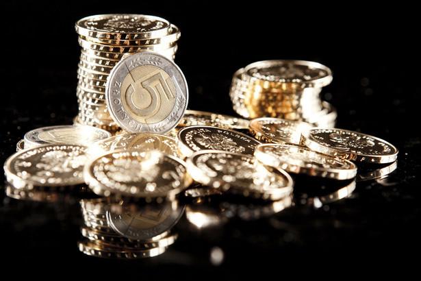 Brak jakichkolwiek odczytów makroekonomicznych powoduje, że za wczorajszym umocnieniem złotego stoją ruchy na eurodolarze